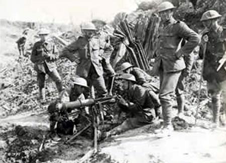 Vickers machine gun crew